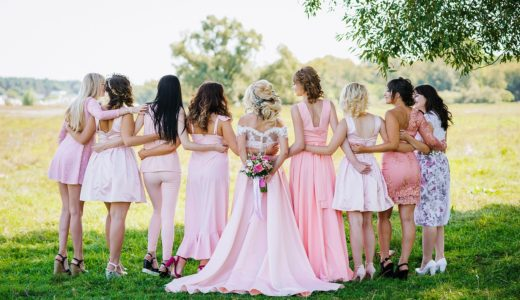 【ライフお役立ち】結婚式の披露宴、二次会、パーティー…ドレスとバッグはファッションレンタルがおすすめ!